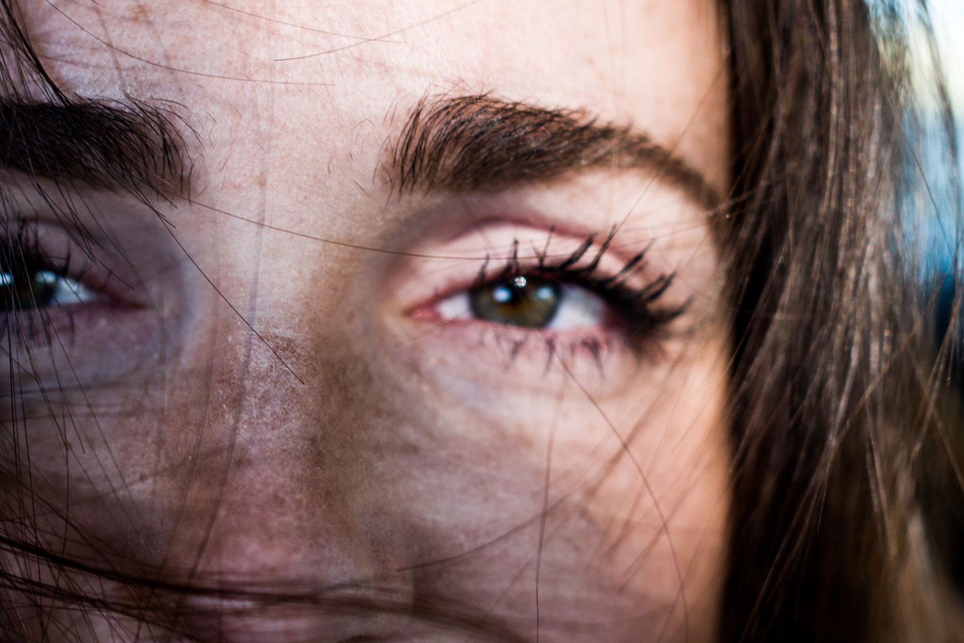 Woman's eyebrows to show CHADO Pommade